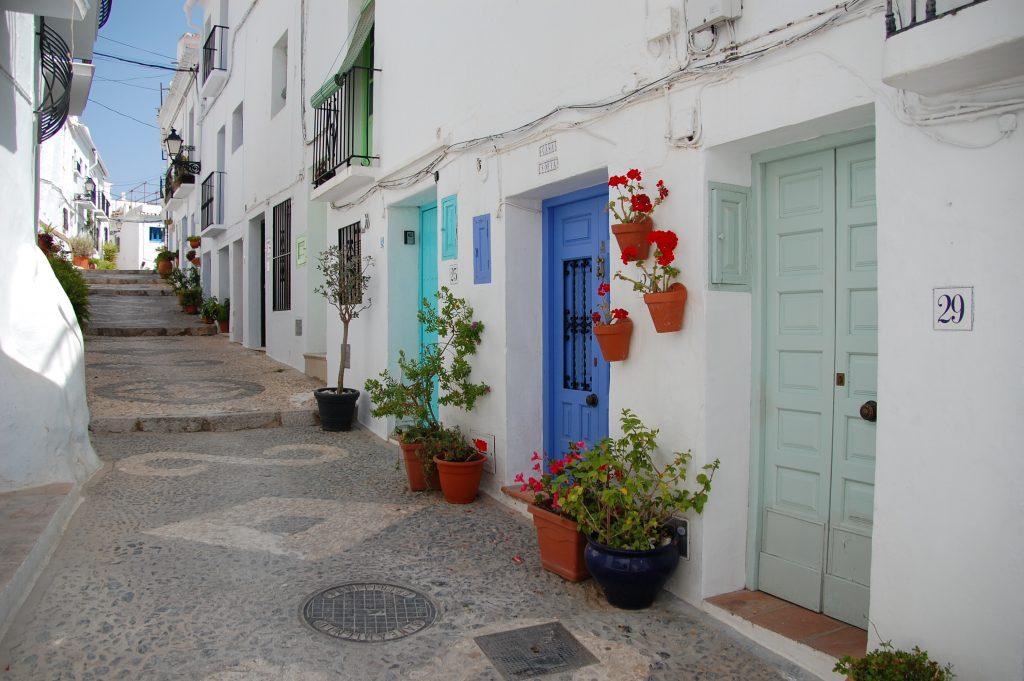 Frigiliana pastelkleurige deuren